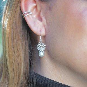 Zilveren parel oorbellen Lotus