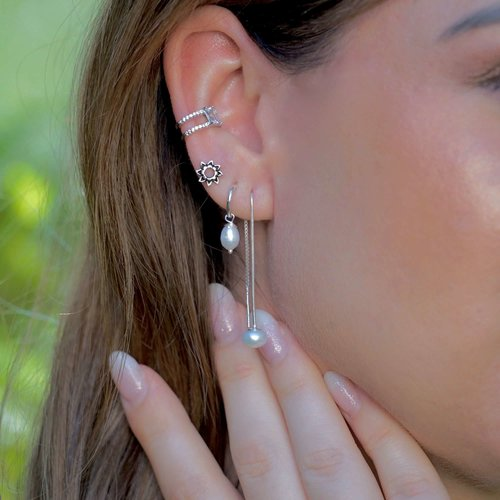 Zilveren ear threader zoetwaterparel