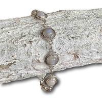 Zilveren armband maansteen Maeve