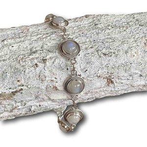 Zilveren edelsteen armband Maansteen Maeve