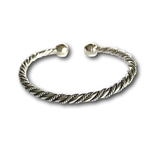 Zilveren twisted bangle armband