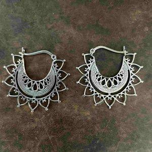 Zilveren oorbellen Jaina