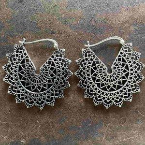 Zilveren oorbellen Daya