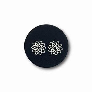 Zilveren oorknopjes mandala flower