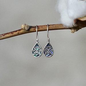 Zilveren oorbellen Lotus Abalone