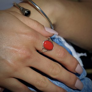 Zilveren ring met rode koraal Sonakshi