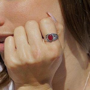 Zilveren ring met Robijn Phailin