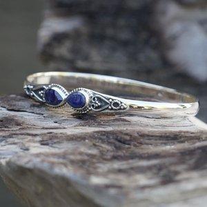 Zilveren edelsteen bangle Vanida met blauwe Saffier