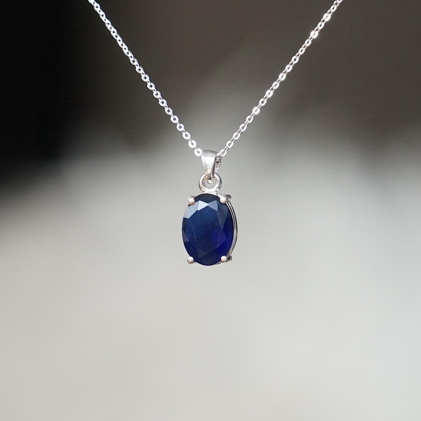 Blauwe saffier sieraden