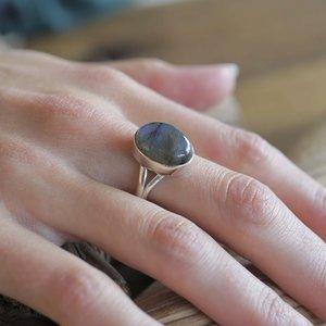 Zilveren ring Labradoriet Solitaire