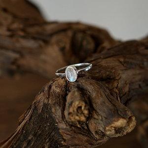 Zilveren edelsteen ring piccola Maansteen