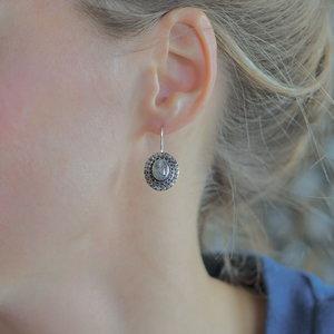 Zilveren oorbellen Blue Topaz Medewi