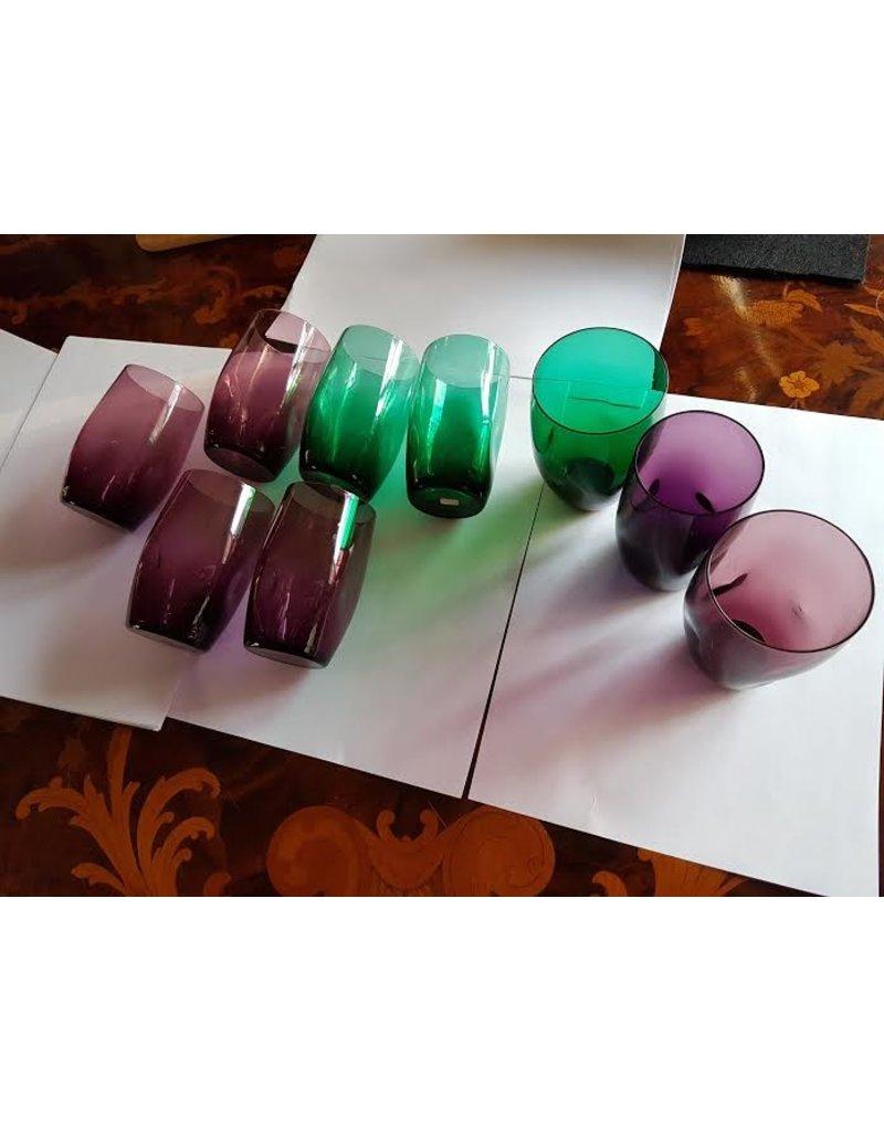 9 deukglazen 6x paars 3 x groen onwerper Zwart?