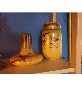 Stel plateel vazen met musjes