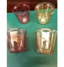 Vier carnival glas wijn / sap glazen roze rood en beige geel met slijpsel korenaar