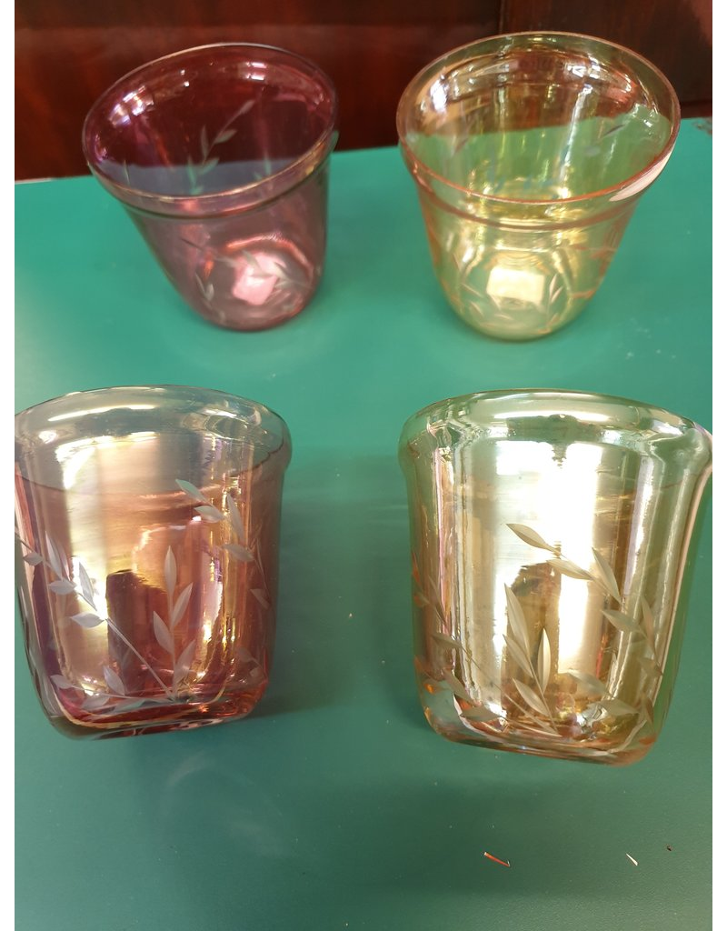 4 carnival glas wijn / sap glazen roze rood en beige geel met slijpsel korenaar