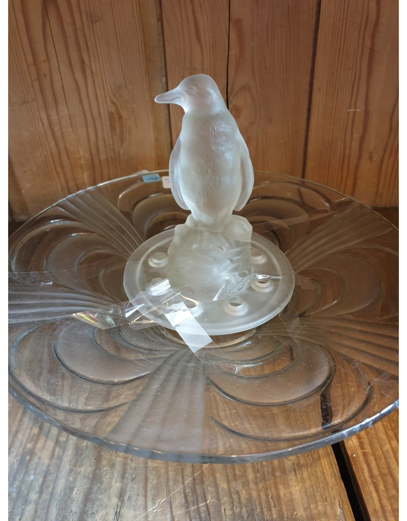 Libochovice art deco frosted glass pInguin flower frog figure