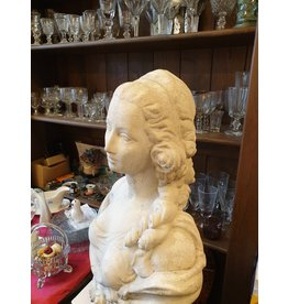 Marie Antoinette lieftallig oud tuinbeeld