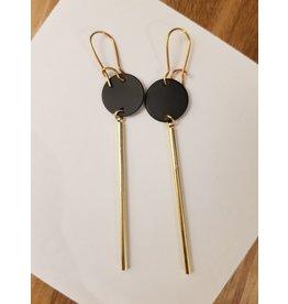 Maison Delclef Oorhanger goudkl staaf en zwarte cirkel