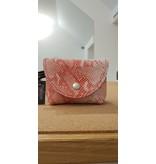 Maison Delclef Etui rundsleder met roze snakeprint