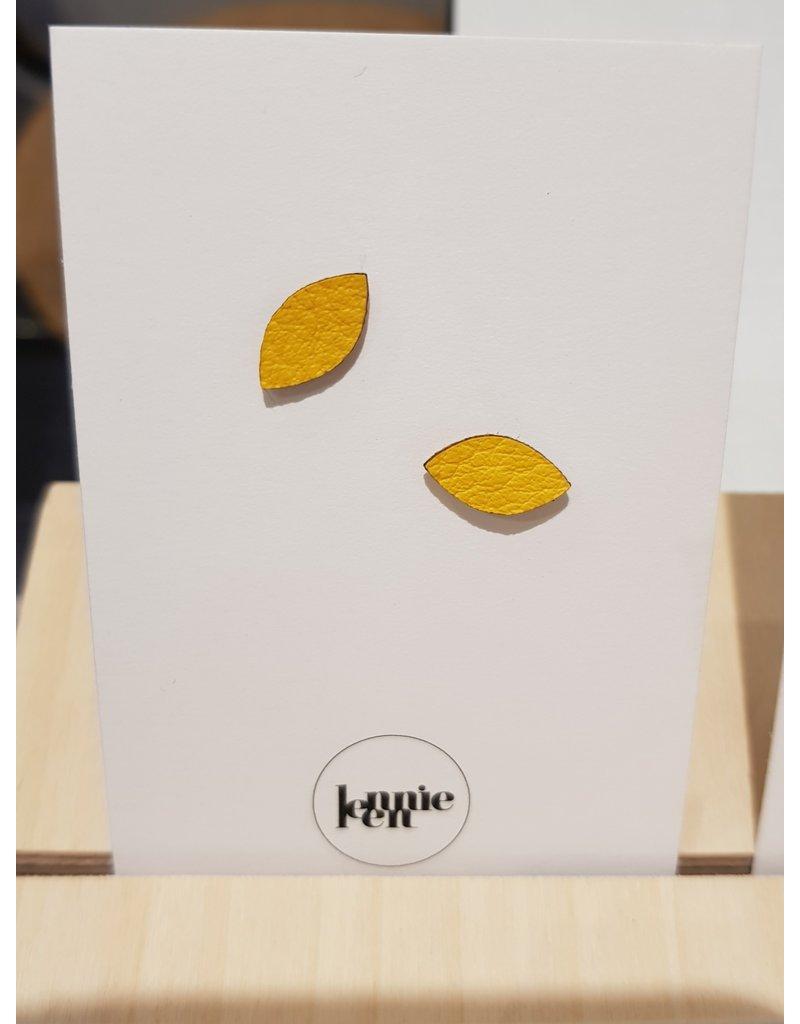 Lennie Leen Oorstekers - Leder geel blaadje