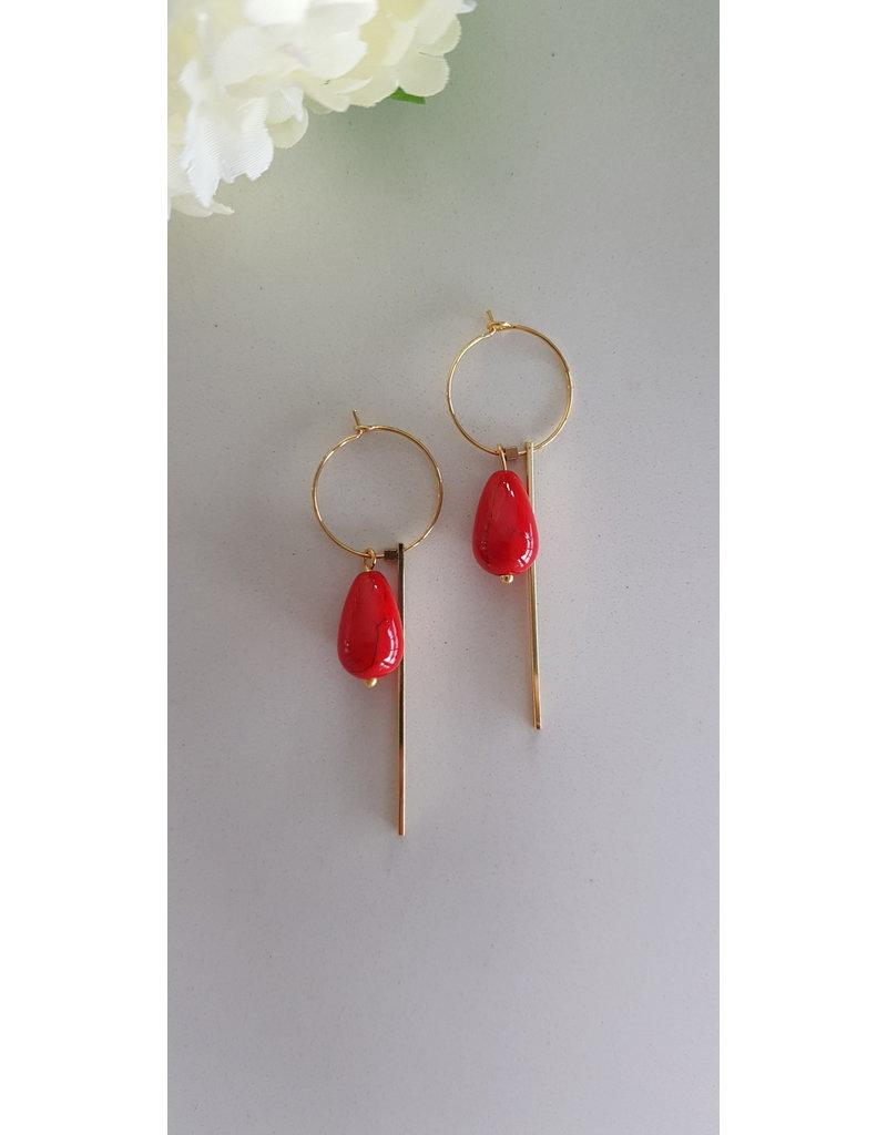 Maison Delclef Oorhanger druppelsteen rood met verguld staafje