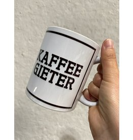 Urban Merch Mok 'Kaffee gieter'