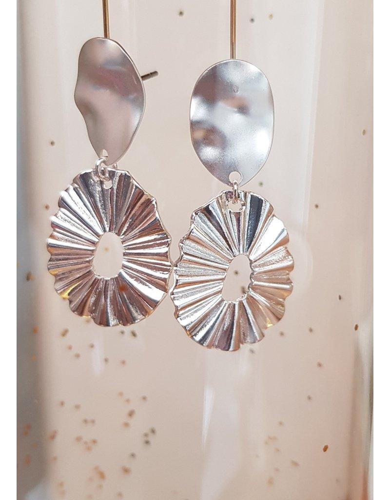 Mme Bovary Oorsteker zilver O + zilverkleurig gegolfd