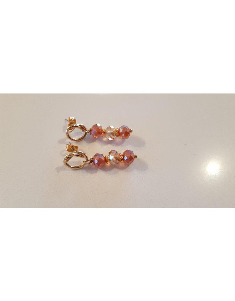 La Petite Rooze Oorhangers - geknoopt goud - 3 bolletjes - roze-wit-roze