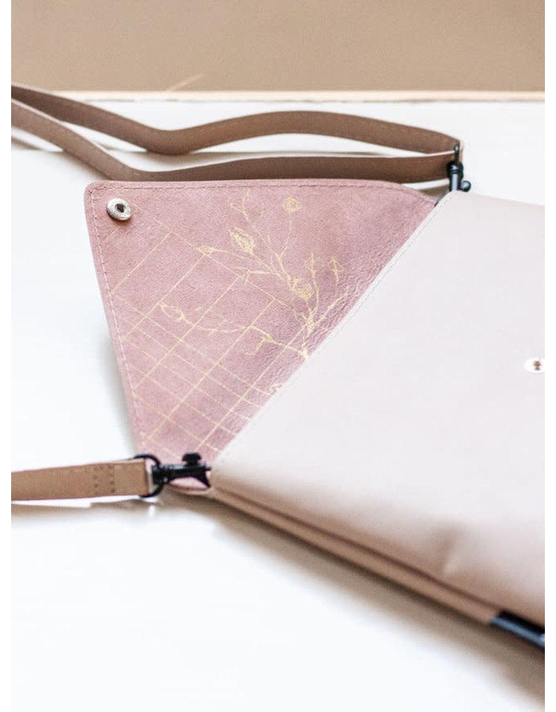 Tinne+Mia Envelope bag Graphic Botanique - biscotti