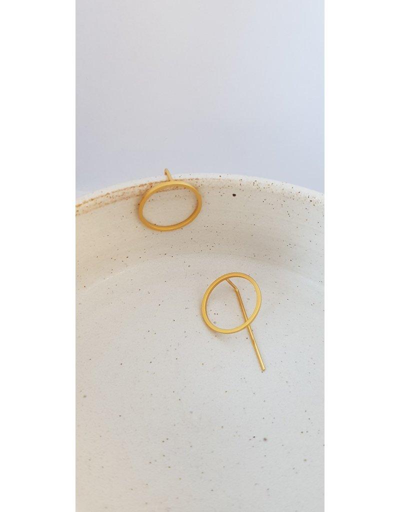 Katwalk Zilver Verguld zilver oorstekers - cirkel met rechte staaf