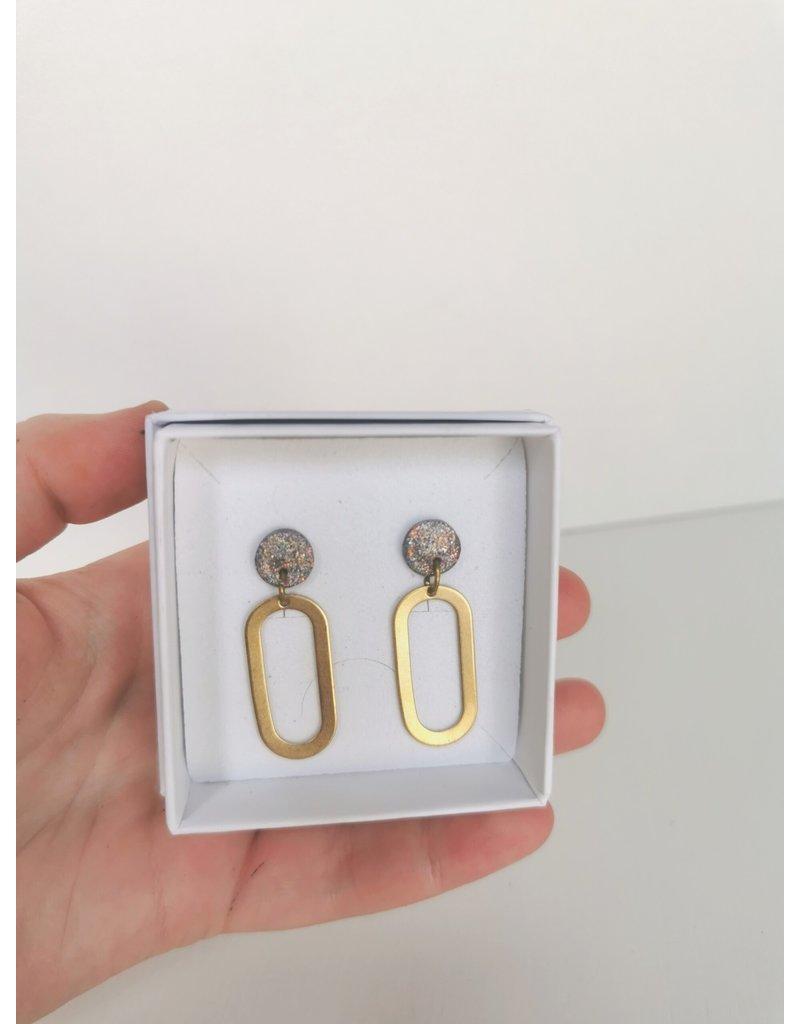 MonaLisa Juwelen Oorsteker klei - messing 'Lola'-metallic grijs