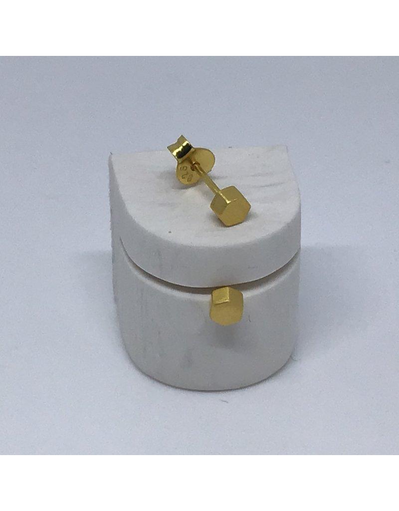 Katwalk Zilver Verguld zilver oorstekers - vol mini hexagon