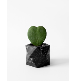 HOUSE RACCOON Palua Plantenpot – Medium – Black marble