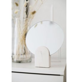 HOUSE RACCOON Archie mirror - white marble