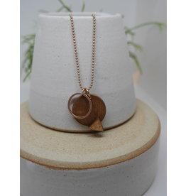 lellebel Halsketting -45cm-  hout - open ring - hars driehoek