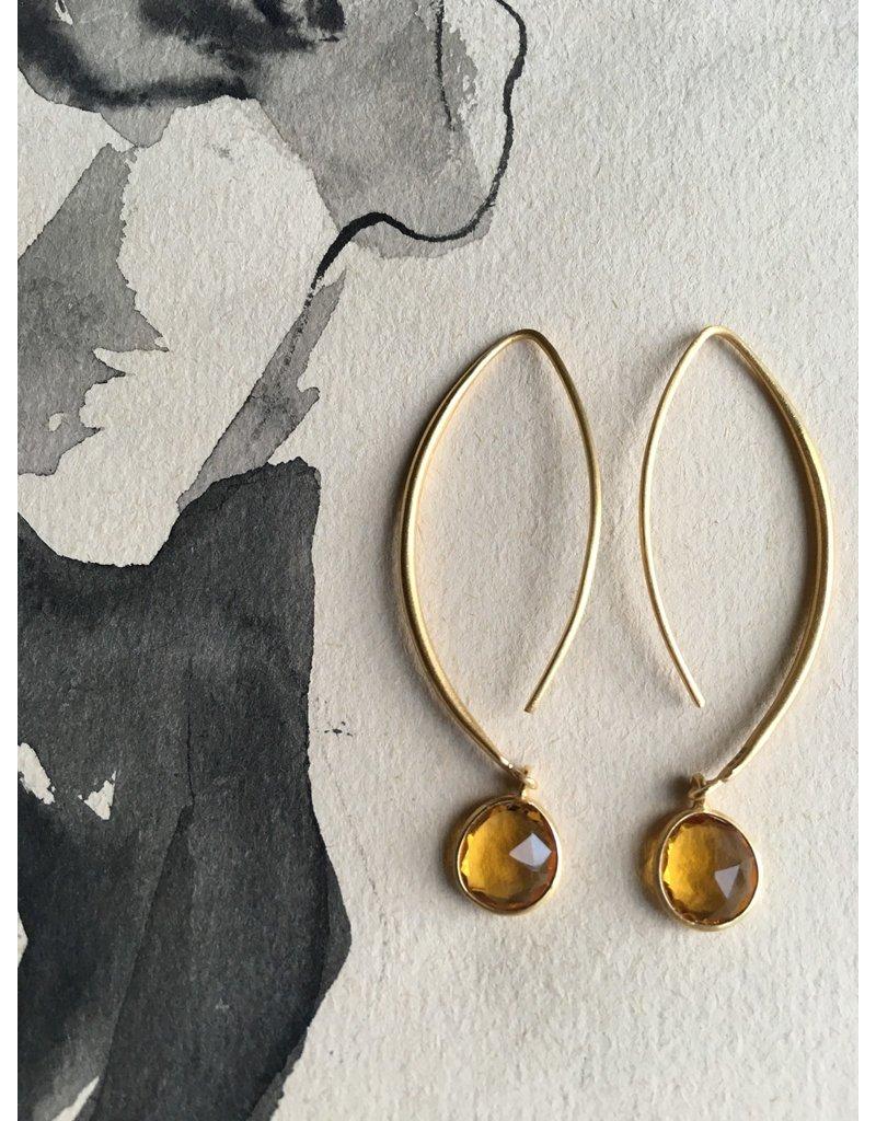 Katwalk Zilver Verguld zilveren oorhanger met honingkleurige steen