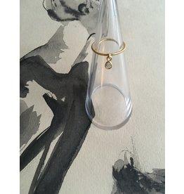 Katwalk Zilver Verguld zilveren fijne ring met loshangend steentje transp.