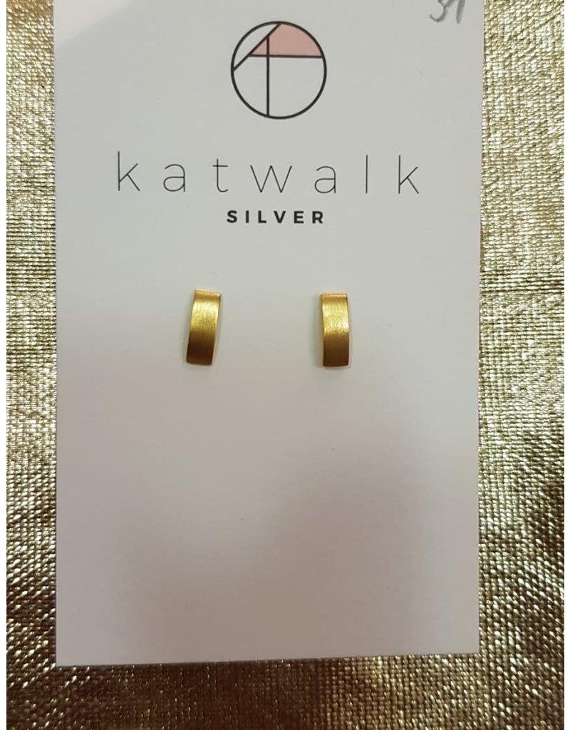 Katwalk Zilver Verguld zilver oorstekers - verticaal gebogen plaatjes 1cm