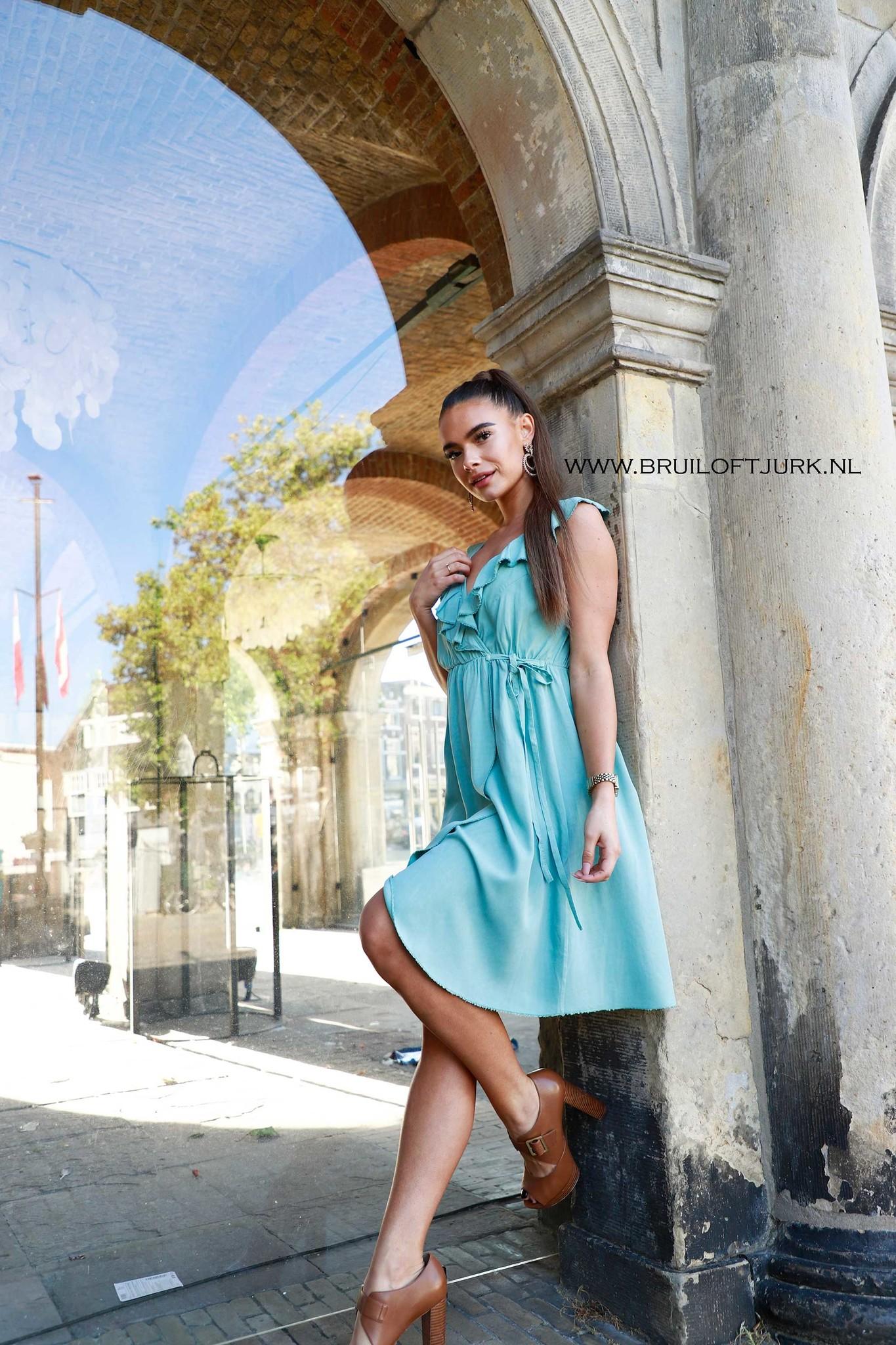 Bruiloft Dresscode - Cocktail - Dames Outfit combineren