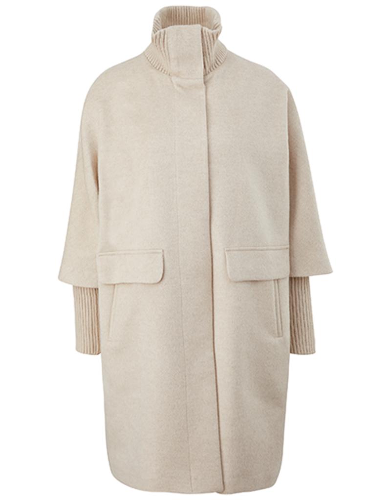 Comma Coat, 8T.108.52.X010