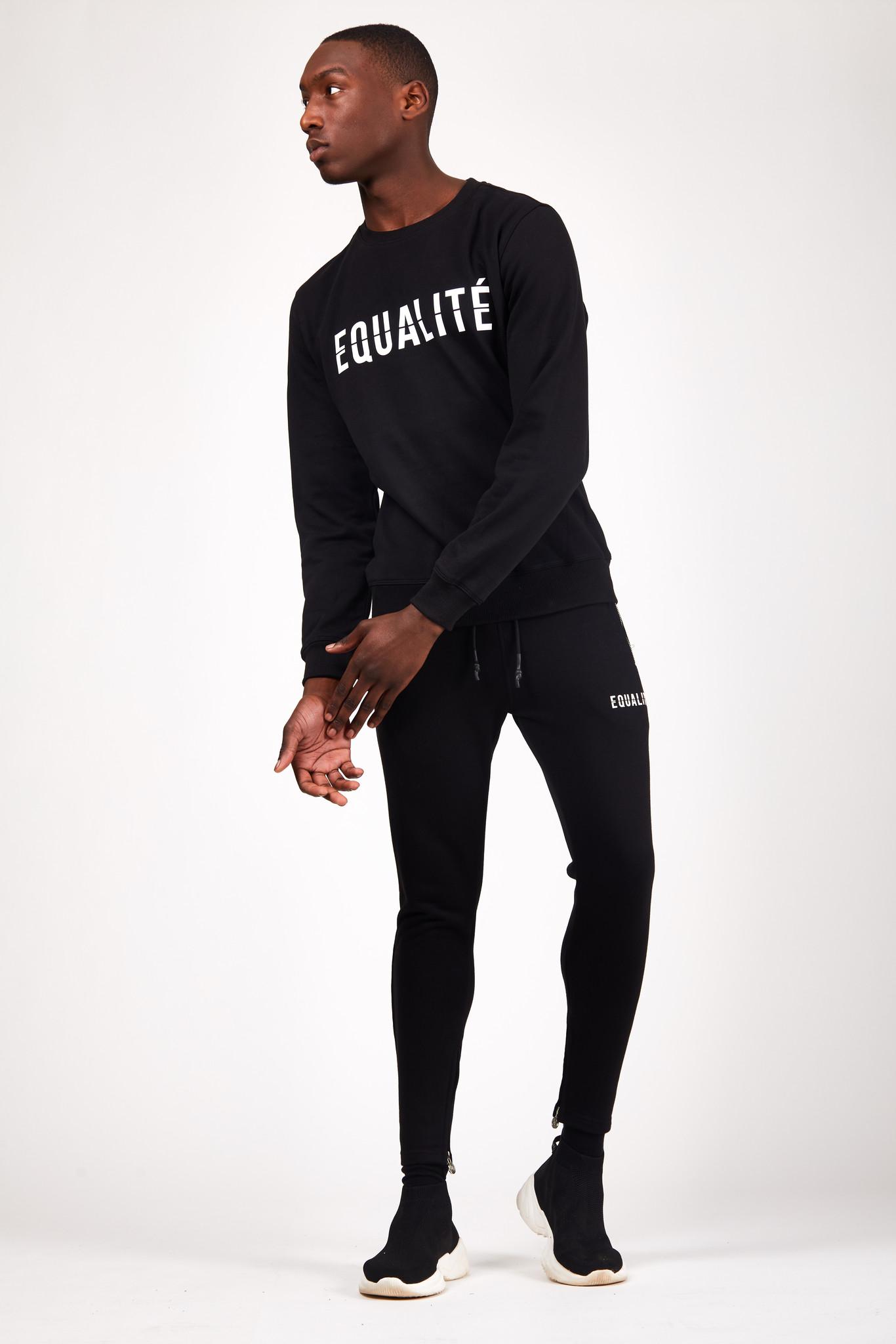 ESSENTIAL SWEATER BLACK-5