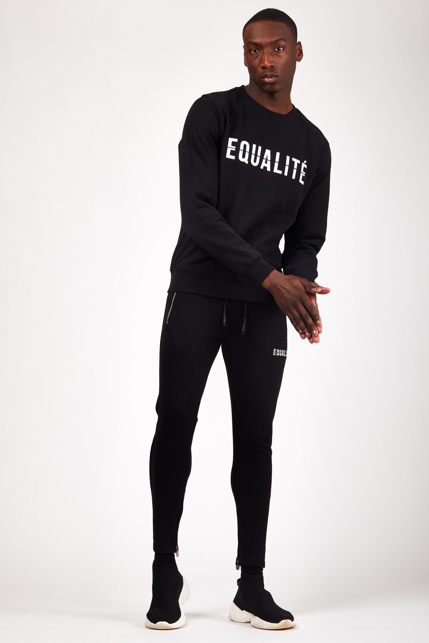 ESSENTIAL SWEATER BLACK-6