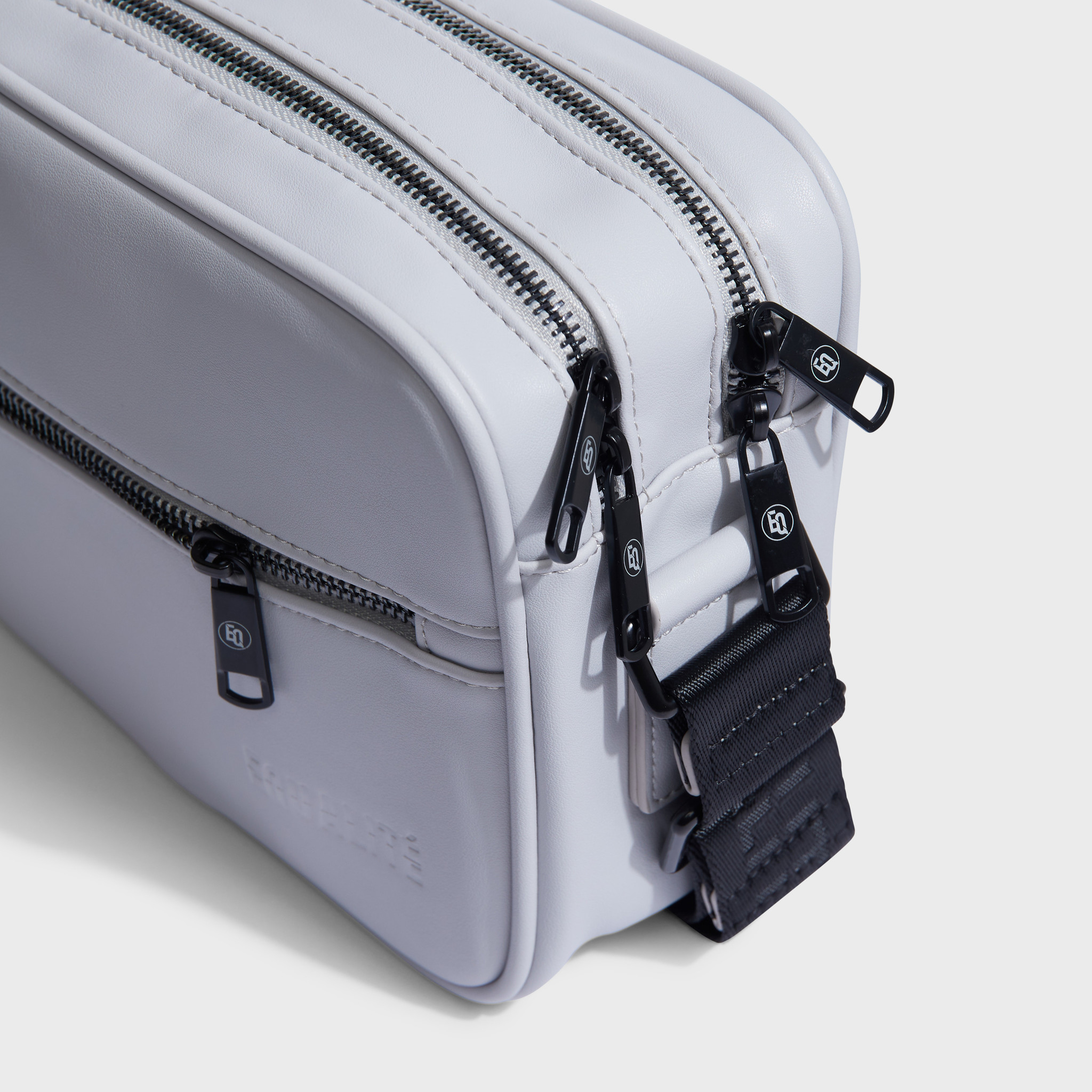 MESSENGER BAG GREY-4