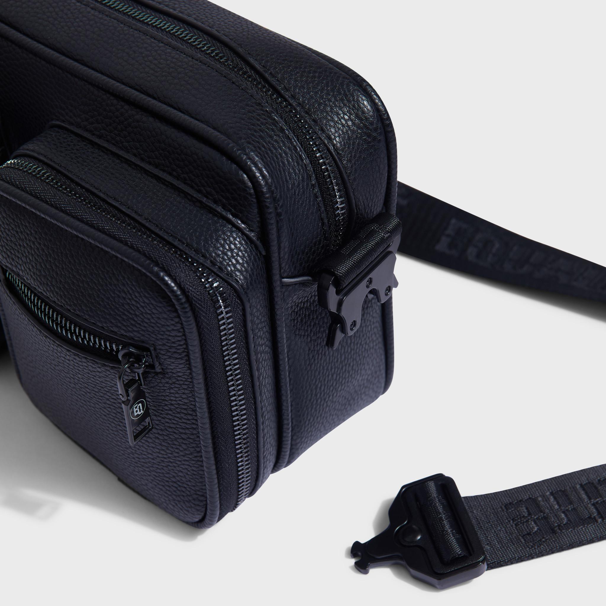 Pocket messengerbag black-4