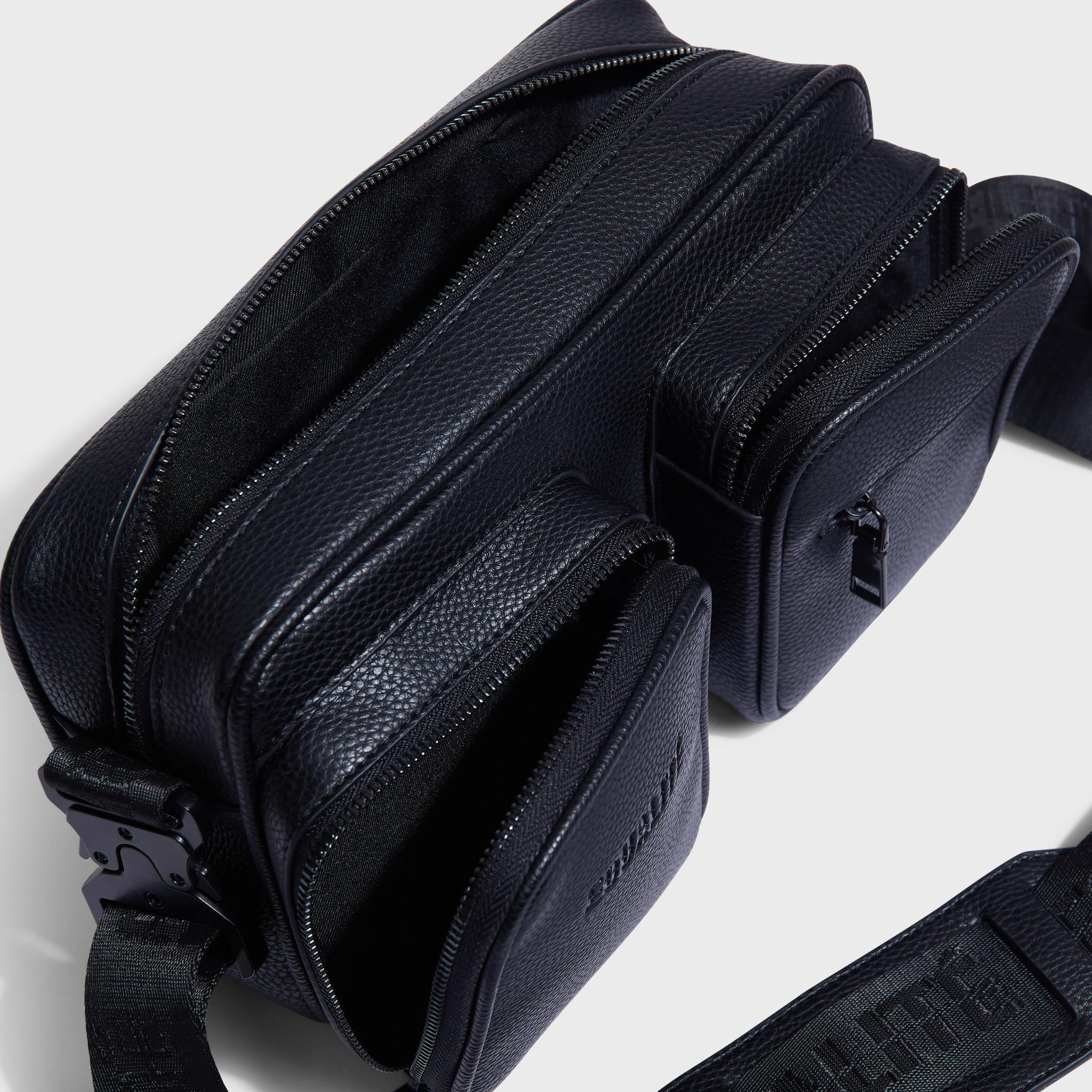 Pocket messengerbag black-6