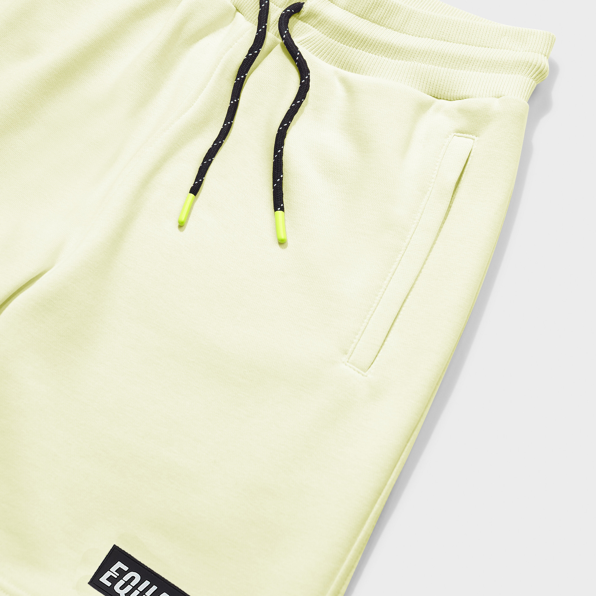 Travis shorts yellow-3