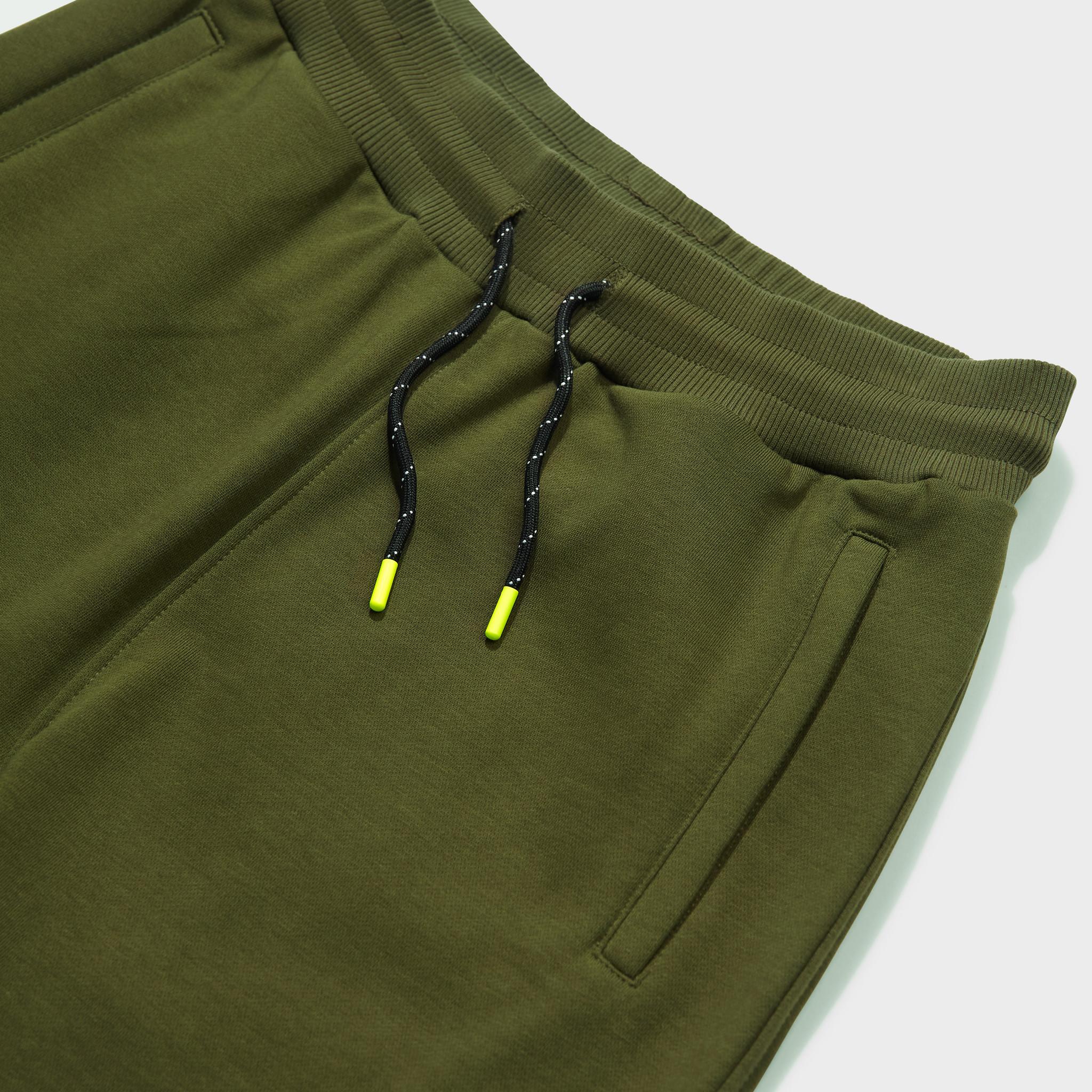 Travis shorts army-3
