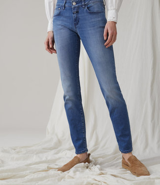 Closed Baker Long Jeans