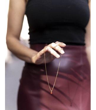 Ellen Beekmans Korte ketting met gemstone hangertje